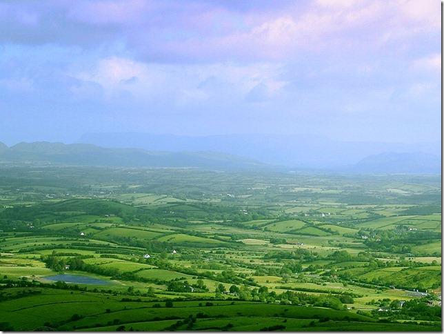 ireland_irish-countryside-farmland